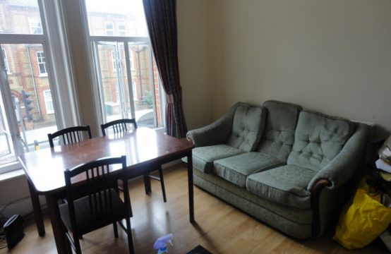 2 Bedroom Flat in Battersea